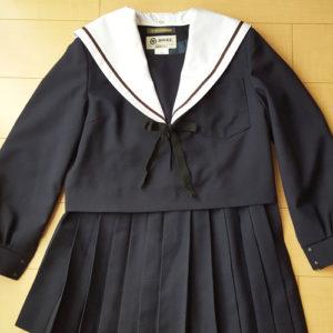 旭丘高校制服